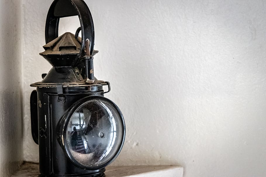 When-flashlights-invented